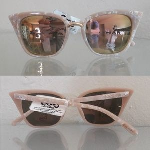 NWT CIRCUS CAT EYE MIRRORED SUNGLASSES